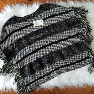 Lucky Brand knit fringe boho poncho sz s